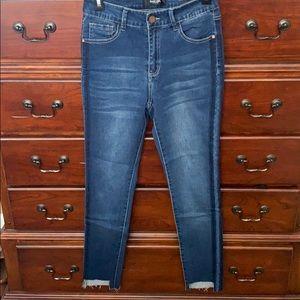 Black Label raw hem cropped jeans